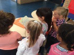 Bibliotheek deelt boeken uit aan ruim 3300 basisschoolleerlingen