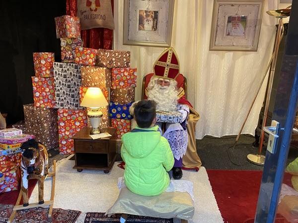 Sinterklaas had drukke middag in Putten 1