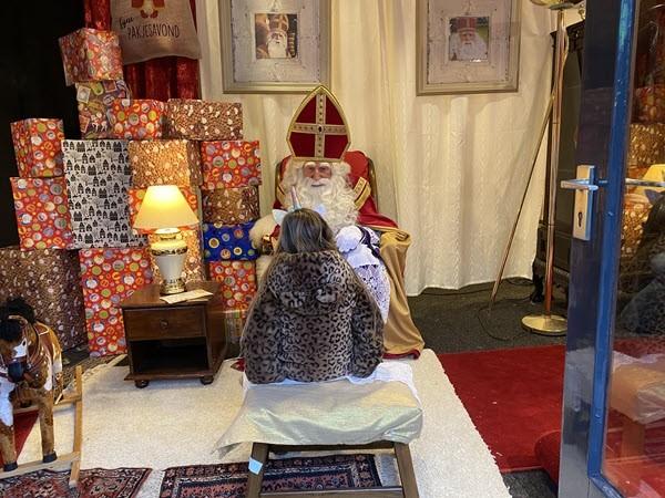 Sinterklaas had drukke middag in Putten 3