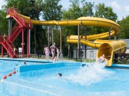 Bosbad Putten verwelkomt 100.000ste bezoeker in 2021