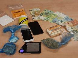 Politie vindt bij controle een boterhamzak met hennep